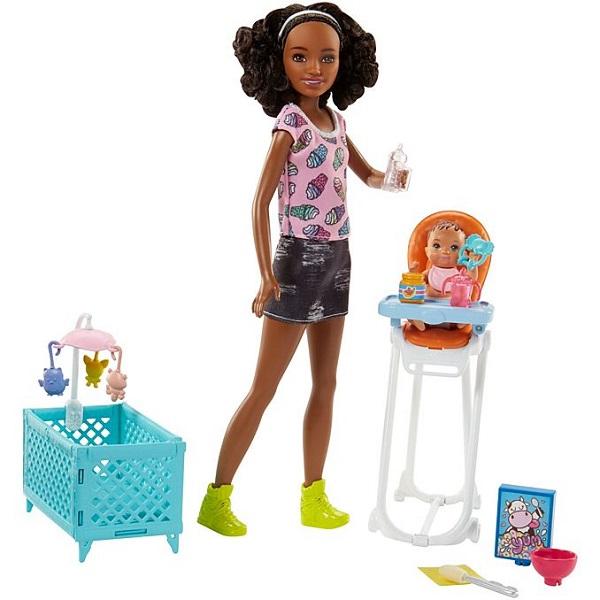 Barbie Chůva herní set s postýlkou černoška, Mattel FHY99